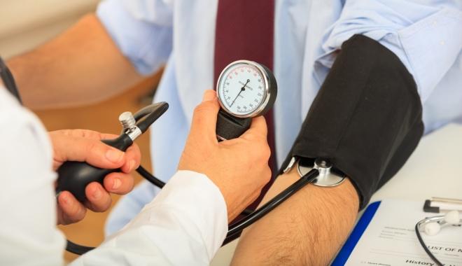 A magas vérnyomás is lehet tünet