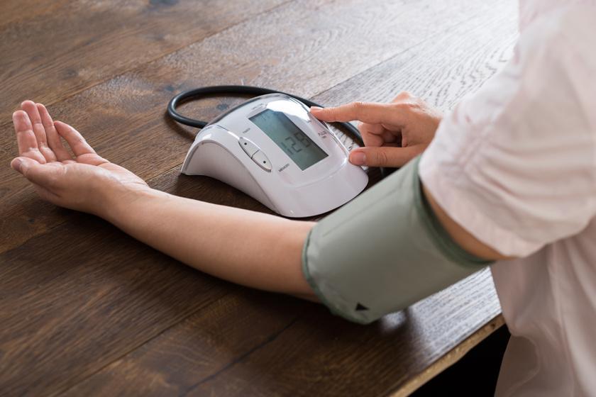 a magas vérnyomás 2 stádiumának jelei