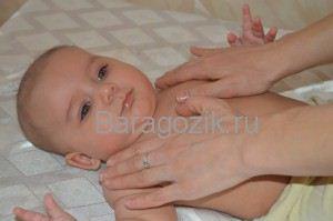 az újszülöttnél a hajlító izmok fiziológiai hipertóniája van