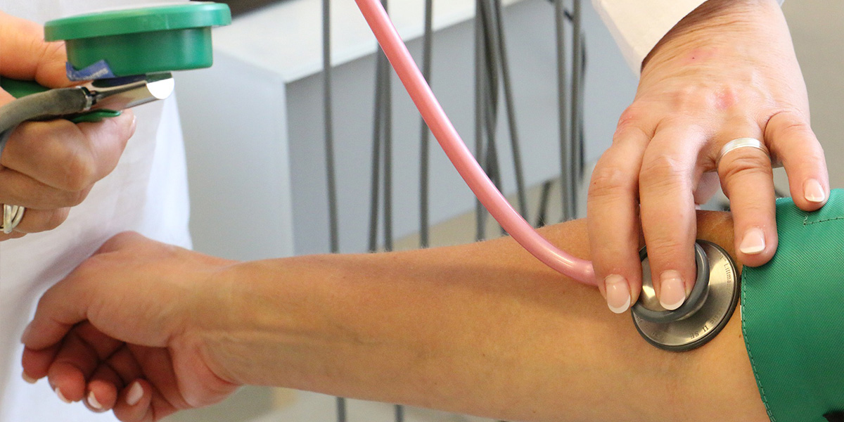 Káliummal és fokhagymával csökkenthető a magas vérnyomás