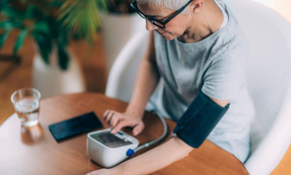 APF-gátló magas vérnyomás esetén carotis stenosis és hypertonia