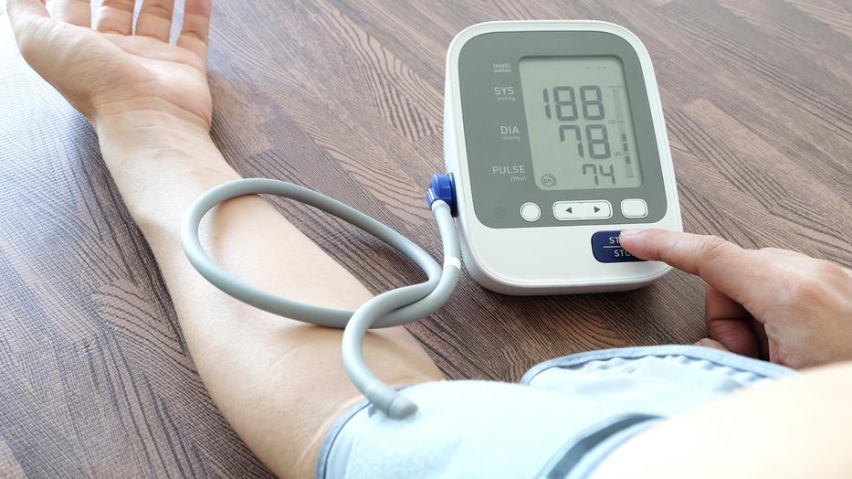 száraz éhség magas vérnyomással magas vérnyomás gőzölhető
