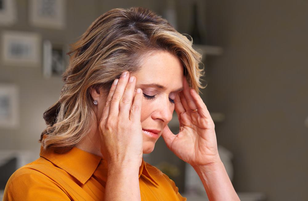Fájdalom és nyomás a magas vérnyomású templomokban