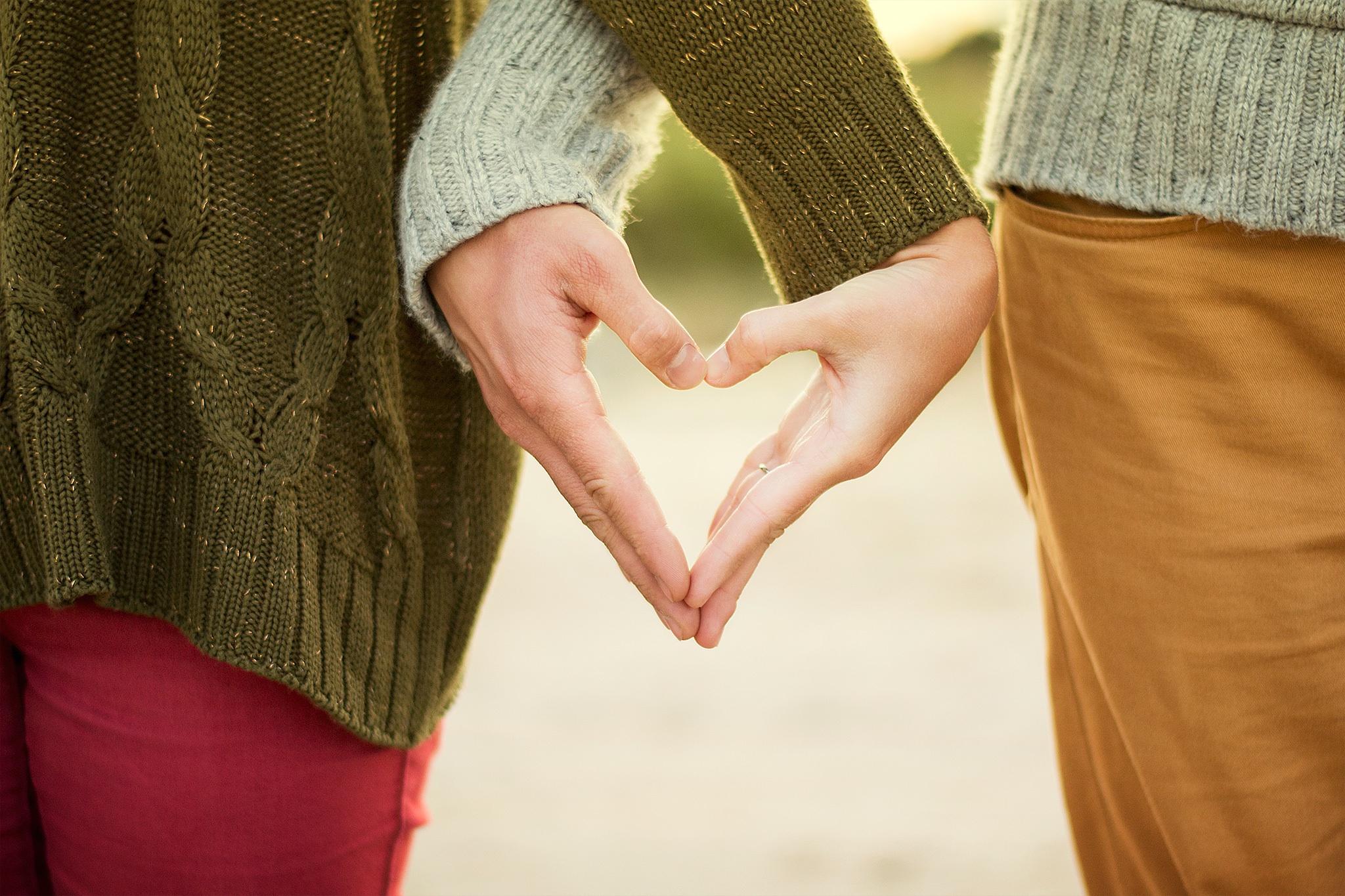 A szerelem egészségesebbé tesz: csökkenti a vérnyomást és még fájdalomcsillapító is