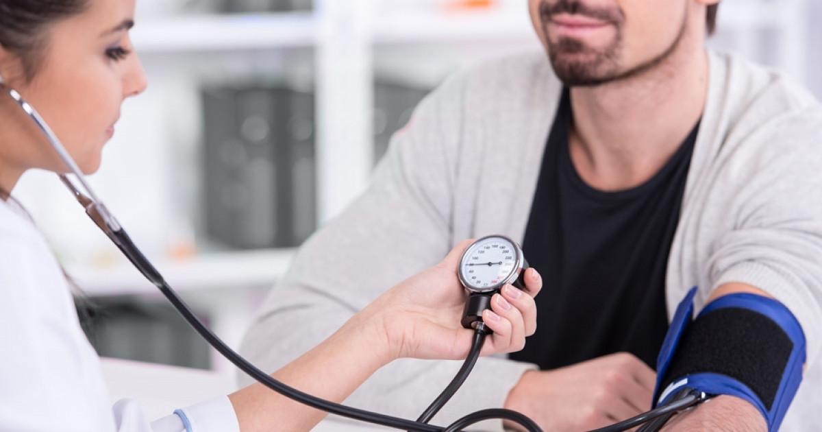 és a magas vérnyomásról szóló mítoszok)