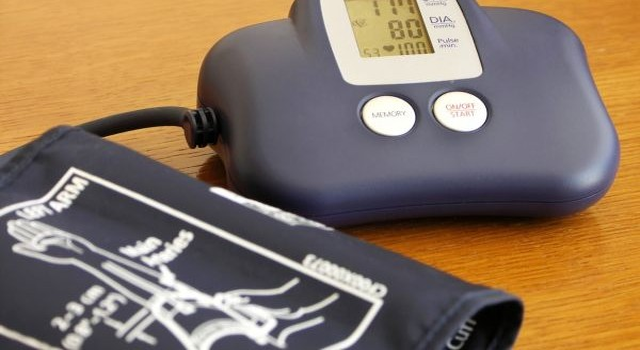 magas vérnyomás vagy magas vérnyomásos krízis rohama)