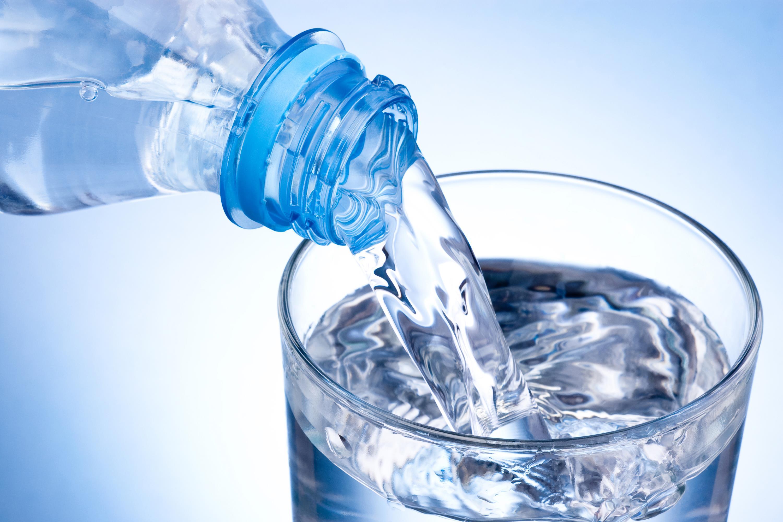 magas vérnyomás esetén hogyan kell vizet inni)