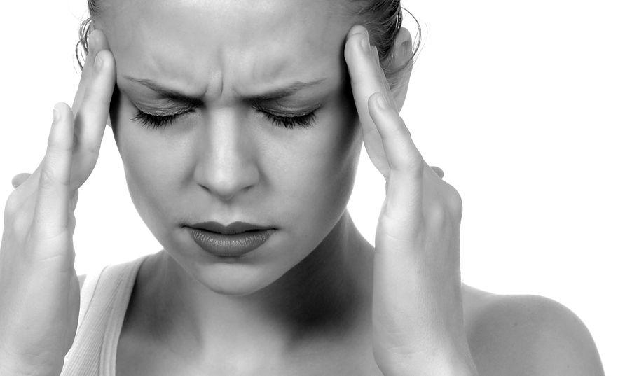 fejfájás a magas vérnyomású templomokban)