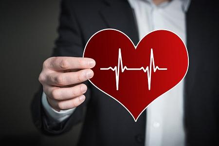 EKG magas vérnyomásban szenvedő betegnél)