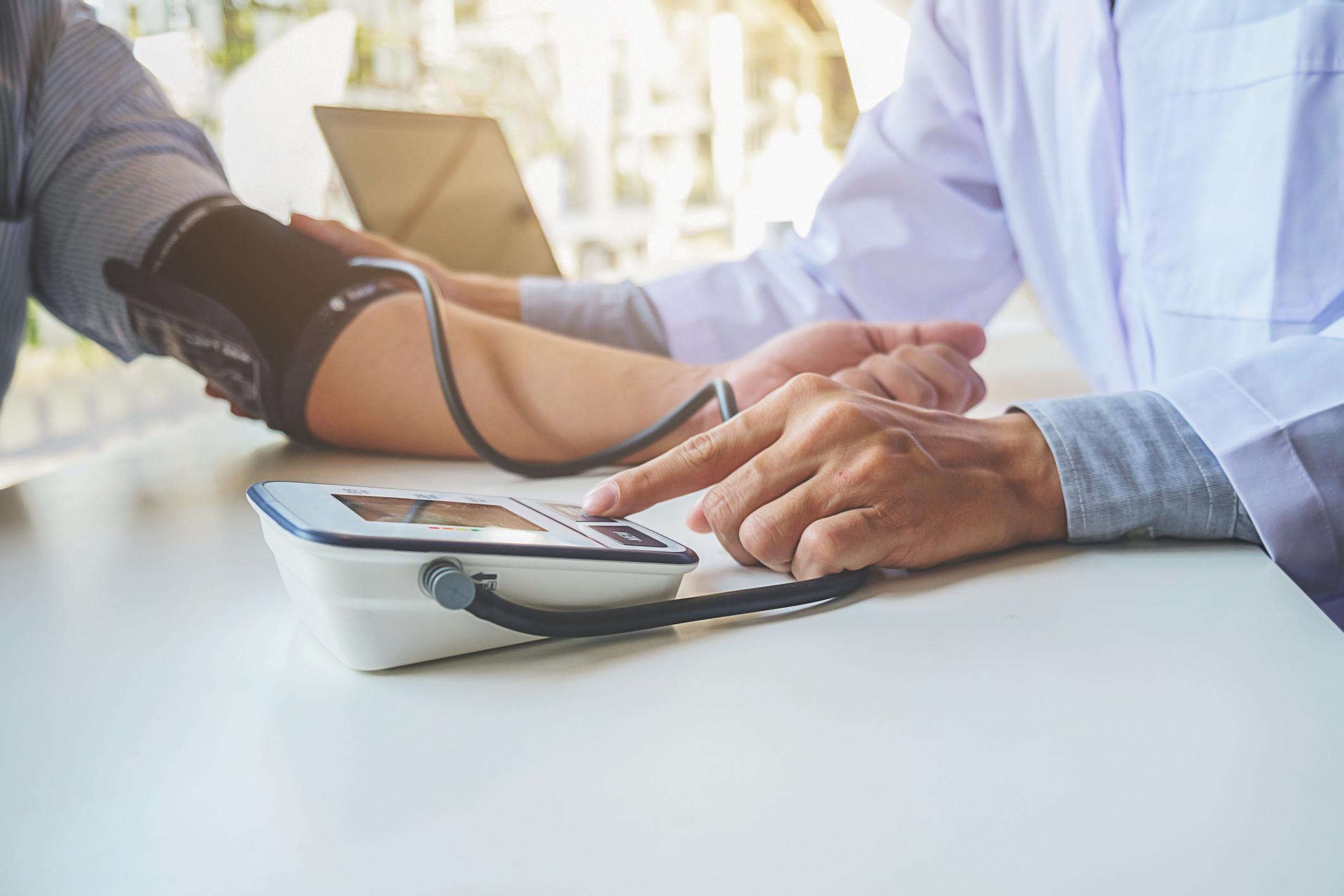 magas vérnyomás és az ahhoz vezető tényezők magnézium és b6-vitamin magas vérnyomás