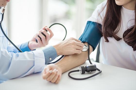 Magas vérnyomás 2 stádium, 3 fokozat - Tényeken Alapuló Orvostudomány Módszertani Ajánlások