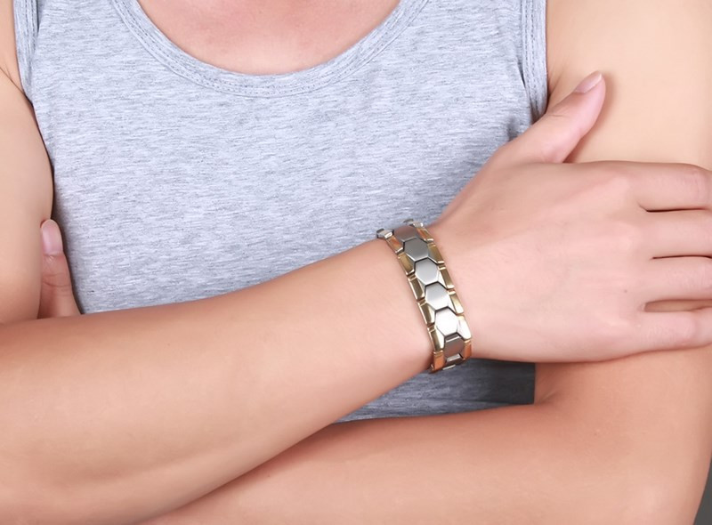 melyik kezen viseljen mágneses karkötőt magas vérnyomás esetén