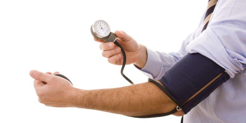 a lábak duzzadnak a magas vérnyomástól