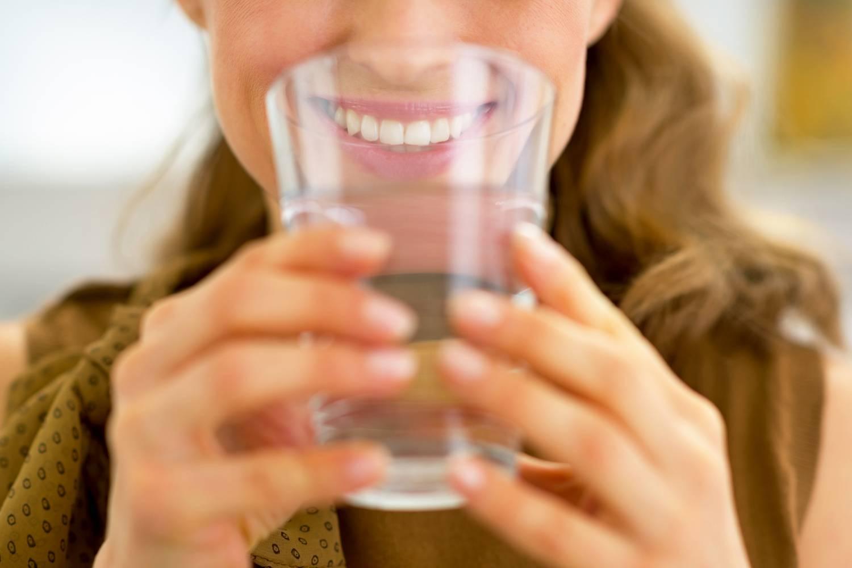 mennyi vizet ihat magas vérnyomás esetén)