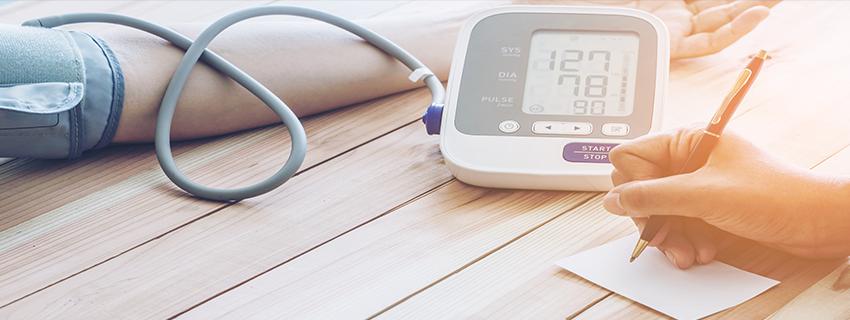 a magas vérnyomás korábbi kezelése)