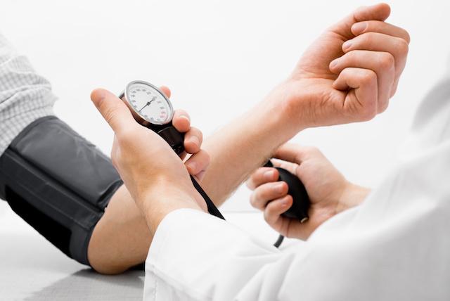 a magas vérnyomást tornával kezelni)