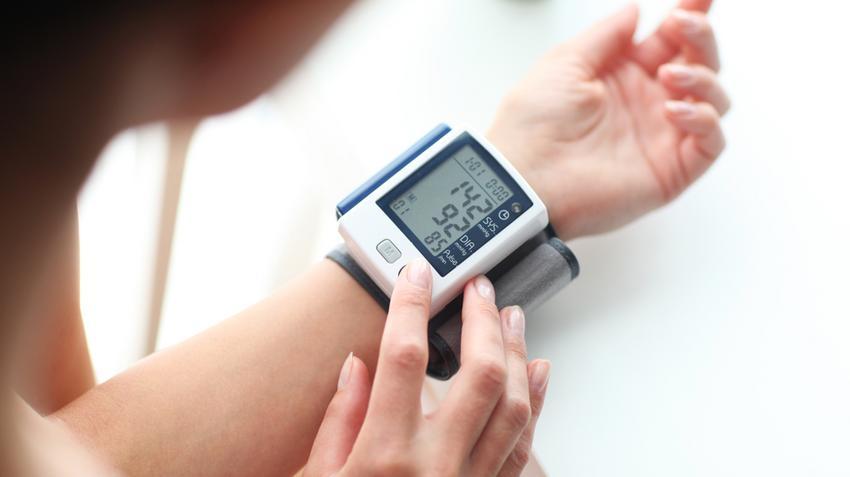 magas vérnyomás esetén az erek beszűkültek)