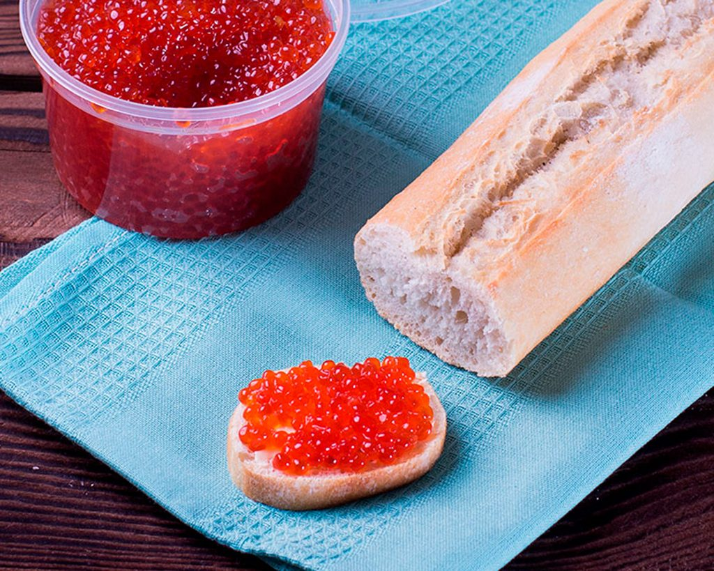 A vörös kaviár előnyeiről. Miért hasznos a vörös kaviár és árthat-e ez a finomság?