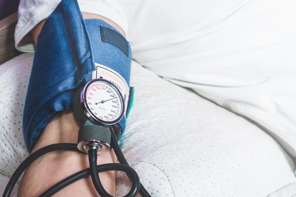mennyi vizet ihat magas vérnyomás esetén